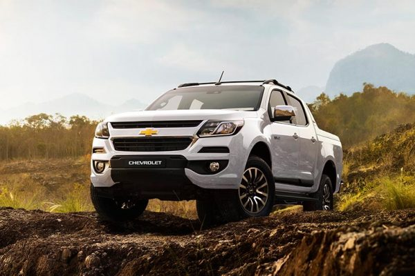 Chevrolet Colorado Warna Summit White Di Bandung